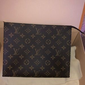 Louis Vuitton Toiletry 26 Pouch/ Clutch